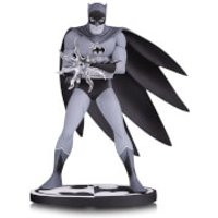 DC Collectibles Batman Black & White Statue Batman by Jiro Kuwata 16 cm