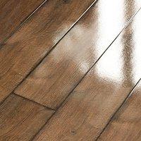 Wickes Chenai Dark Oak High Gloss Laminate Flooring - 2.19m2 Pack