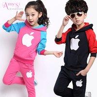 1.75 USD GBT002 Fashion kids Baby boys girls Double sided velvet sport style children clothing set with hat