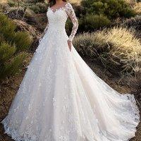 ZH1234X Ivory Tulle Princess Wedding Dresses 2019 Rhinestone Appliques V neck Long Sleeves Bride Gowns for Dubai Saudi Arabia