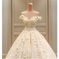 New design A-line V-neck sweep train silk lace wedding gown TS42
