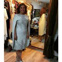 New style knee length silver lace beaded cap sleeve mother of the bride dress with cape MMA20