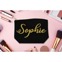 From £6.99 for a personalised glitter font makeup bag - choose from three colours from Fab Deco Ltd - Deco Matters - save up to 77% - Cosmetics Gifts