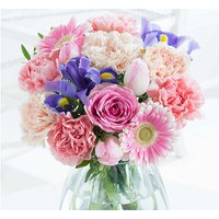 £2 for a 30% discount to use on a range of bouquets including delivery* from Flying Flowers - give as a gorgeous Mother's Day, birthday or anniversary gift! - Wowcher Gifts