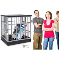 £6.99 instead of £29.99 (from London Exchain Store) for a novelty mobile phone jail cell with padlock – save 77% - Mobile Gifts
