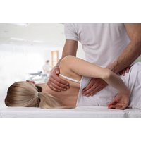 £21 for a consultation with trigger point therapy and a medical deep tissue massage, £34 with osteopathic technique and trigger point therapy, or £39 for a full package at Manual Treatment & Physical Medicine Clinic, Canada Water - save up to 75% - Medicine Gifts