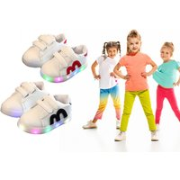 £7.98 instead of £29.99 (from hey4beauty) for a pair of light-up children's trainers - save 73% - Trainers Gifts