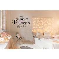 '£3.99 Instead Of £18 (from Arther Gold) For A 'princess Sleeps Here' Decal Wall Sticker - Save 78%