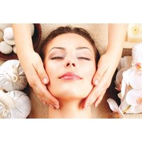 £16 for a luxury Indian head massage from Golden Beauty Spa - Indian Gifts