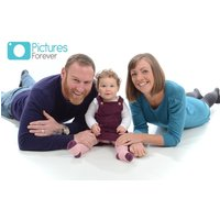 £9 instead of £99 for a family photoshoot with three 7