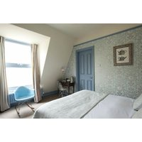 From £89 (at Brooks Guesthouse) for an overnight Bath stay with breakfast, Prosecco, chocolates and late check out - save up to 44% - Chocolates Gifts