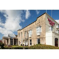 £139 (at Mecure York Fairfield Manor Hotel) for an overnight stay for two people with breakfast, dinner allowance, Prosecco and afternoon tea - save up to 44% - Dinner Gifts