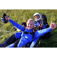£245 for a tandem skydive experience in Cambridgeshire from Buyagift - experience the thrill of a lifetime! - Skydive Gifts
