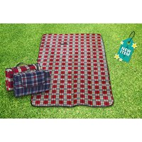 £6.99 instead of £19.99 for an xl waterproof picnic rug - choose from two colours from Spot Promotions - save 65% - Picnic Gifts
