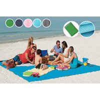 £9.99 instead of £22 (from HTG Direct) for a magic anti-sand beach blanket - save 55%