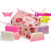 £4.99 instead of £17 (from Bathtime Boutique) for a luxury assorted soap gift set - save 71% - Soap Gifts