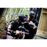 £10 instead of up to £224.70 for a day of paintball for up to 10 people including 100 balls each and a light lunch with Thunder
