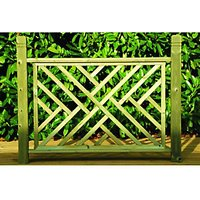 Wickes Contemporary Wooden Deck Panel - Light Green 760mm x 1.13m
