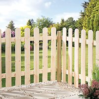 Wickes Palisade Arched Top Timber Fence Kit - 890 x 890 x 1815mm