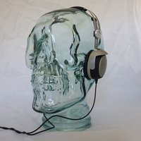 AMP3 Luxury Glass Skull Headphones Stand Colour BLACK