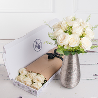 Letterbox Simply White Roses & Vestri Gentile White Chocolate