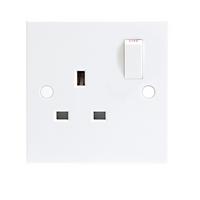 KnightsBridge 13A White 1G Single 230V UK 3 Pin Switched Electric Wall Socket