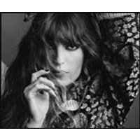 Affiche Variété internationale  LOU DOILLON © Fnac Spectacles