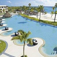 Secrets Akumal Riviera Maya by AMResorts
