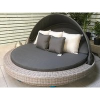 Product photograph showing Madison Large Round Daybed