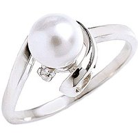 Image of Pearl & Diamond Twist Ring in 9ct White Gold