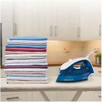 Morphy Richards 300273 Breeze Steam Iron in Blue White Ceramic Solepla