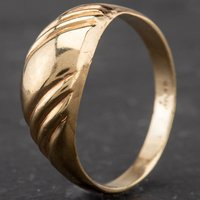 Pre-Owned 9ct Yellow Gold Fancy Gold Dress Ring 4109786