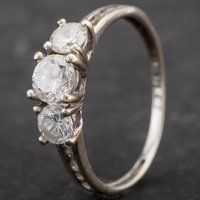 Pre-owned 9ct White Gold Cubic Zirconia Dress Ring 4109923