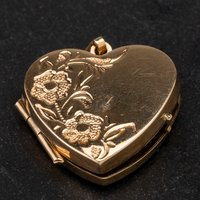 Pre-Owned 9ct Yellow Gold Heart Locket 4114483