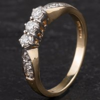Pre-Owned 9ct Yellow Gold Diamond Three Stone Ring 4138222