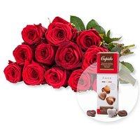 12 rote Fairtrade-Rosen und Pralinen-Herzen