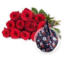 12 rote Fairtrade-Rosen und Easy Bag Round XL Chrysantheme