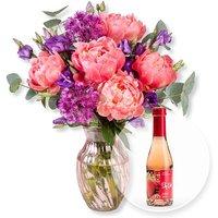 Pfingstrosen-Schönheit und Alkoholfreier Erdbeer-Secco