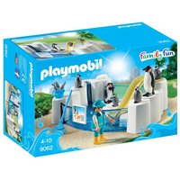 Boys Playmobil Family Fun Penguin Enclosure