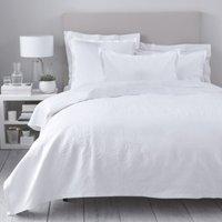 Vintage Etienne Bedspread & Cushion Covers