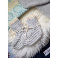Cashmere Hand Knit Bootees Pearl