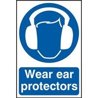 Notice Wear Ear Protectors
