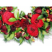 Luxury Wreath with Red Roses