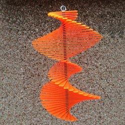 Acryl Windspiel Spirago, orange