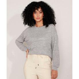 suéter tricô amplo decote redondo cinza mescla claro
