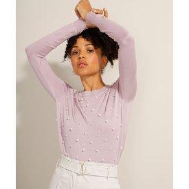 suéter tricô com pérolas decote redondo lilás