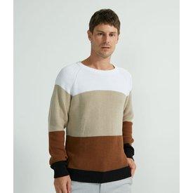 suéter tricô com recortes