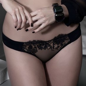 Christies 'Couture - Transparenter Slip'