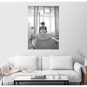 Posterlounge Wandbild Jenny Stadthaus Ballerina im Badezimmer