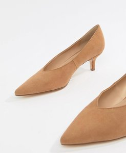 Read more about London rebel pointed kitten heels - caramel